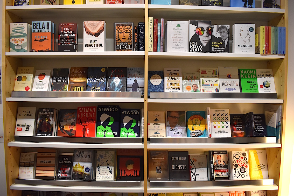 Buchhandlung Mio 04