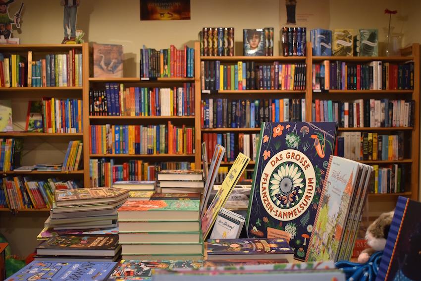 Buchhandlung Mauer 02 0305