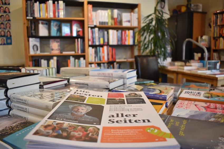 Buchhandlung Mauer 05 0325